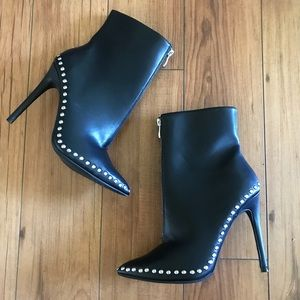 Wild Diva Black Pointed Toe Ankle Bootie Studs
